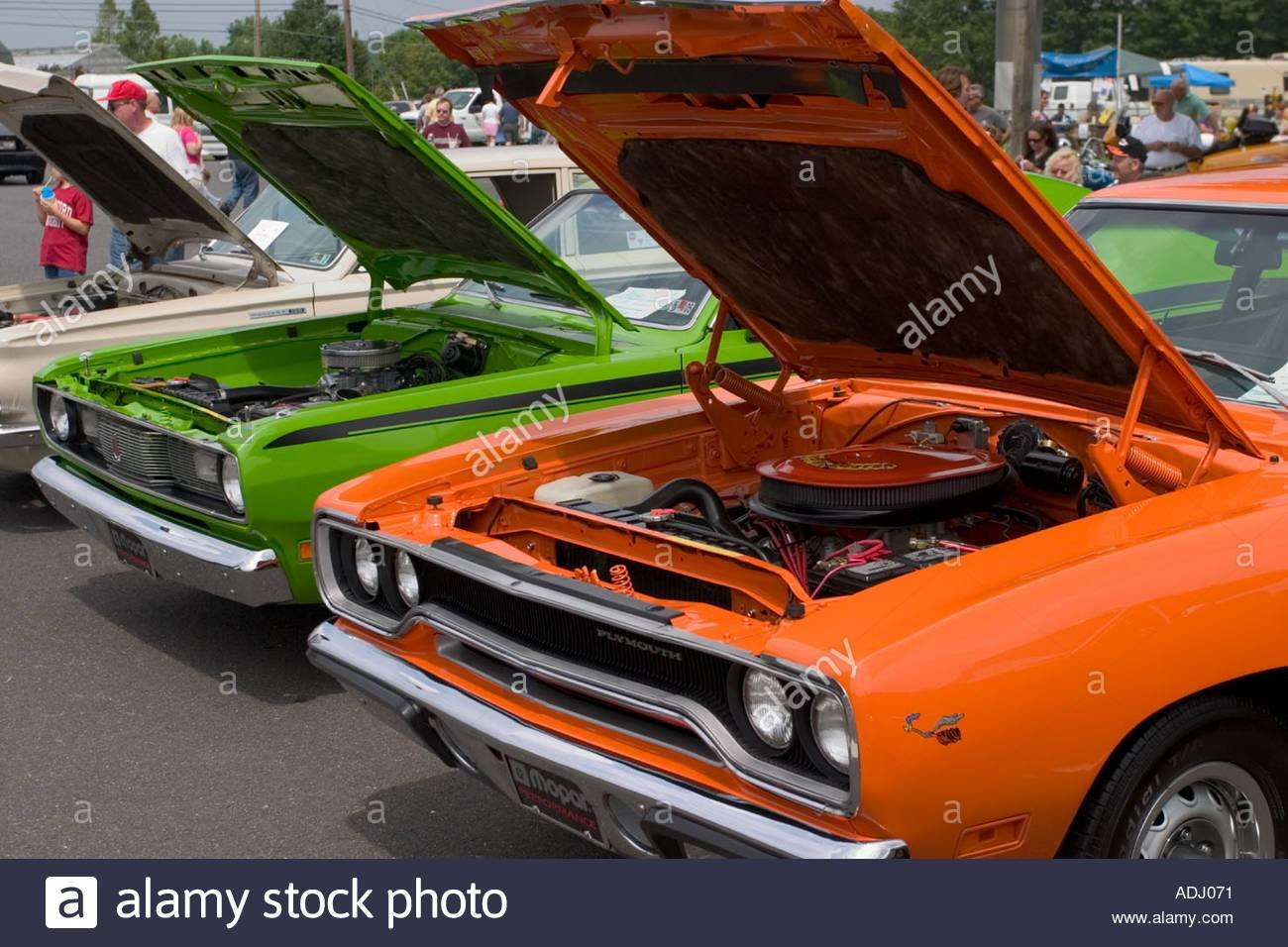 Latest American Muscle Cars Plymouth Duster And Plymouth Road Free Download