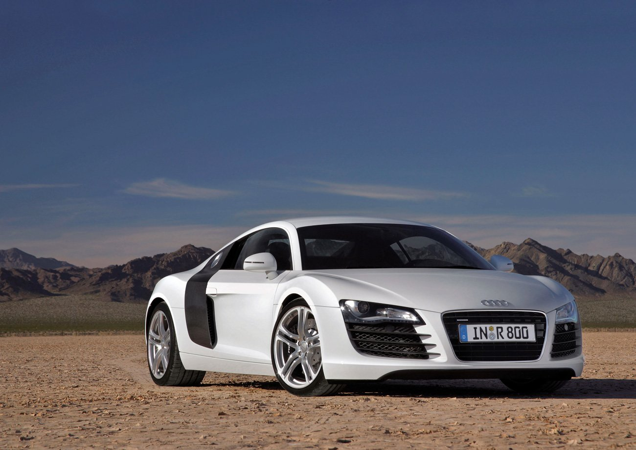 Latest Popular Cars Audi R8 Free Download
