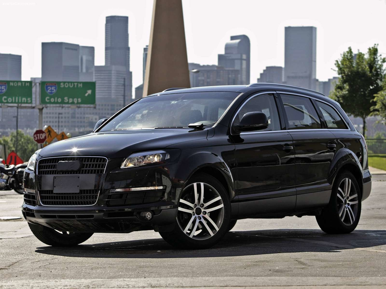 Latest World Of Cars Audi Q7 Images Free Download