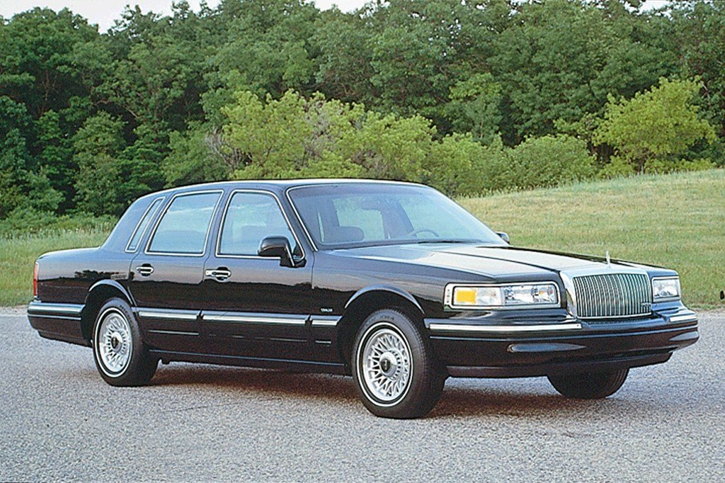 Latest 1990 97 Lincoln Town Car Consumer Guide Auto Free Download