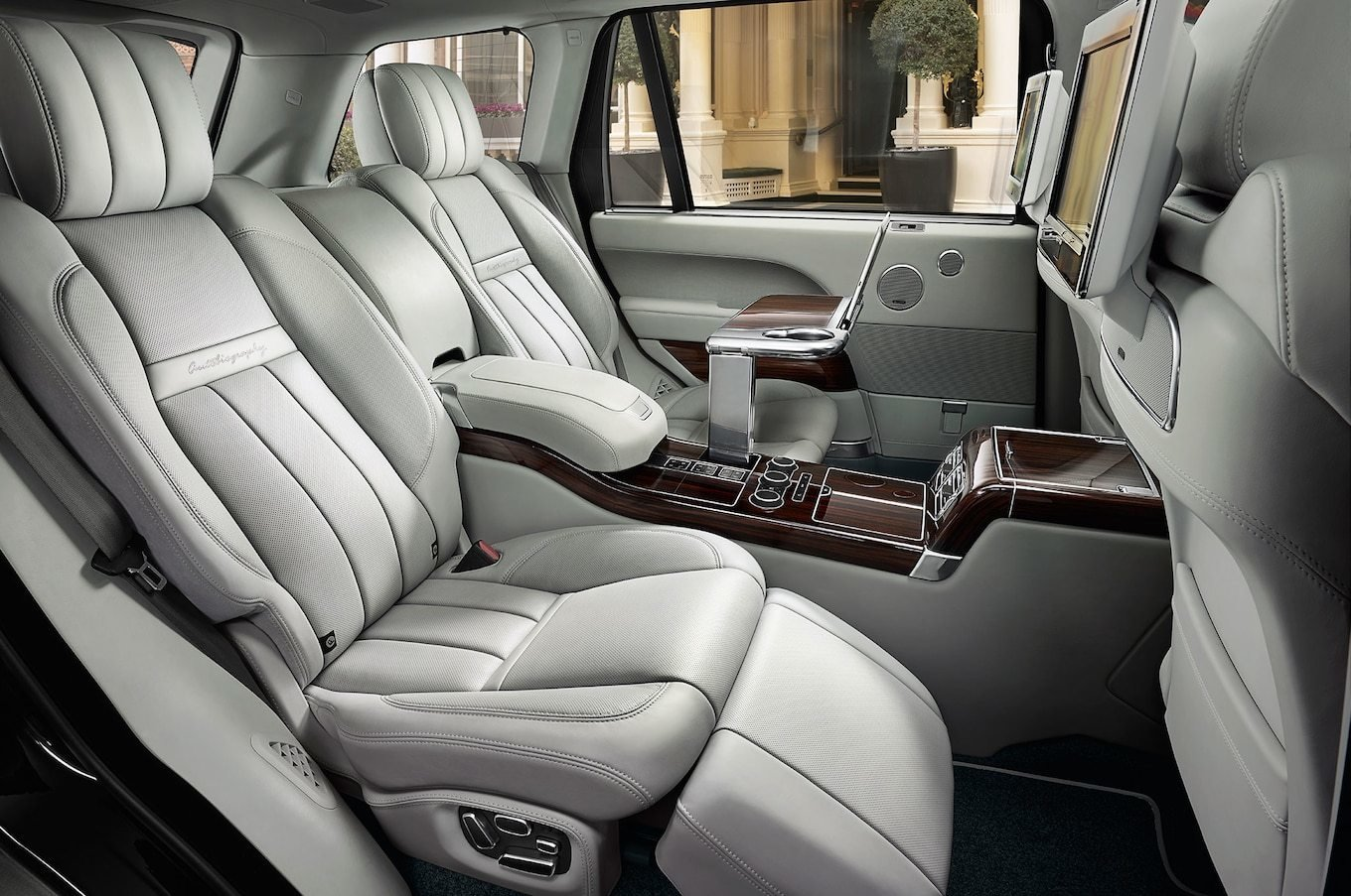 Latest 2016 Land Rover Range Rover Reviews And Rating Motor Trend Free Download