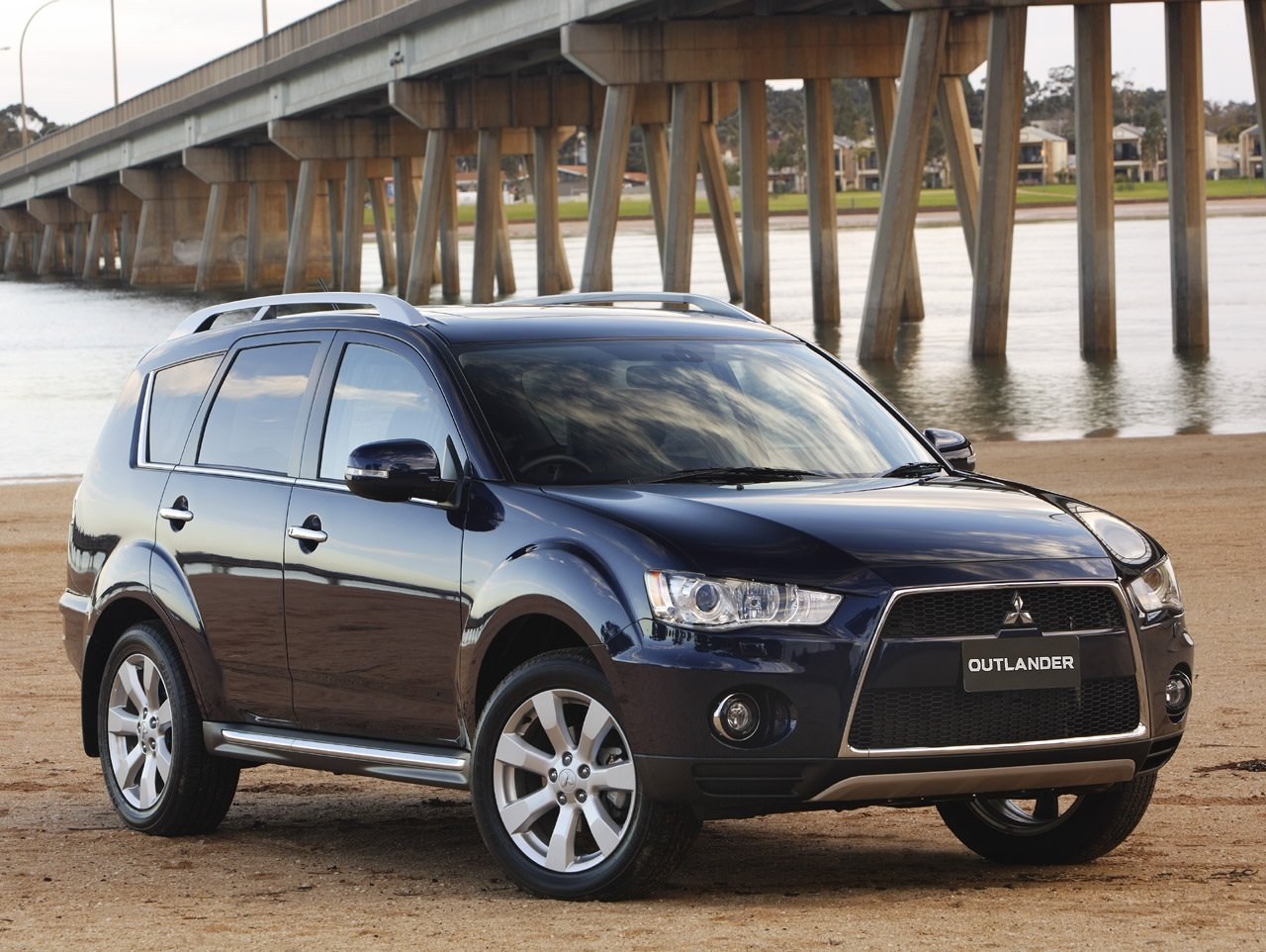 Latest Mitsubishi Outlander Wallpapers Bikes Cars Wallpapers Free Download