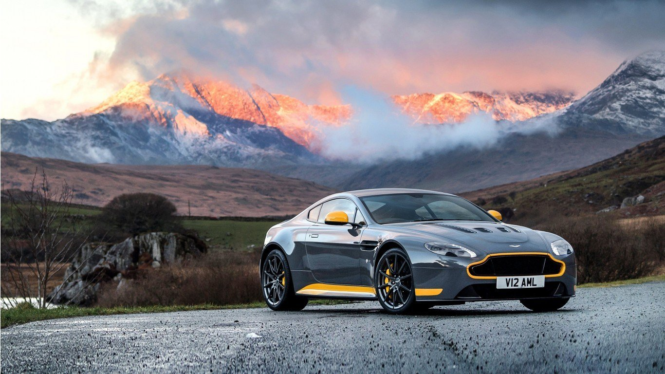 Latest 2017 Aston Martin Vantage Gt8 Wallpaper Hd Car Free Download