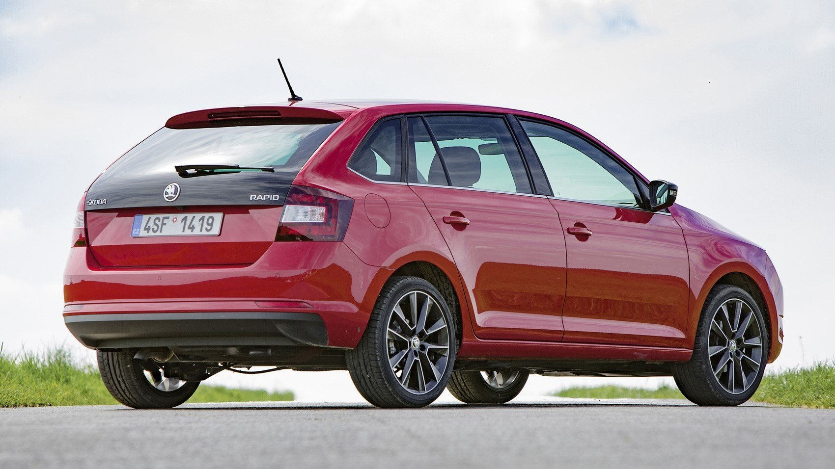 Latest Skoda Rapid Spaceback 1 Tsi 2017 Review By Car Magazine Free Download