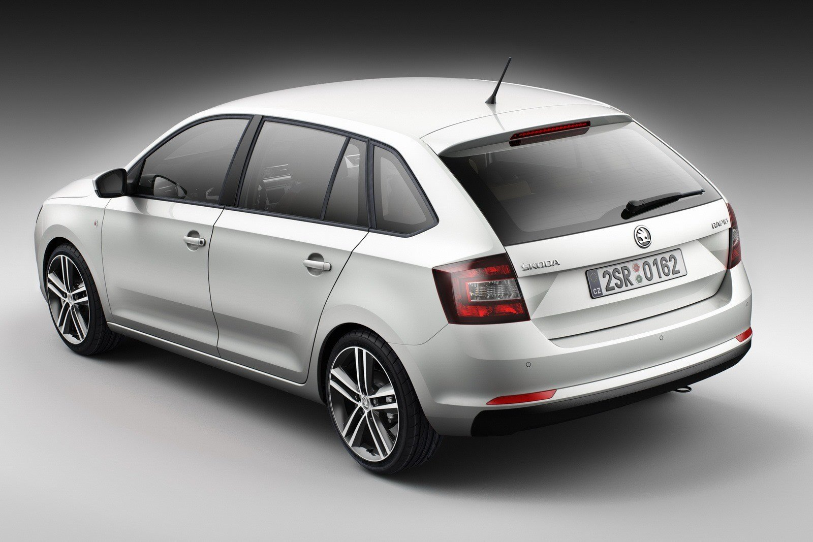 Latest New Skoda Rapid Spaceback Details And Pictures Free Download