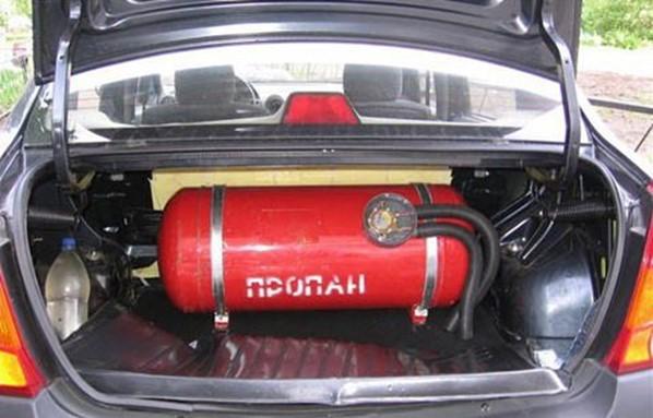 баллон с газом в автомобиле