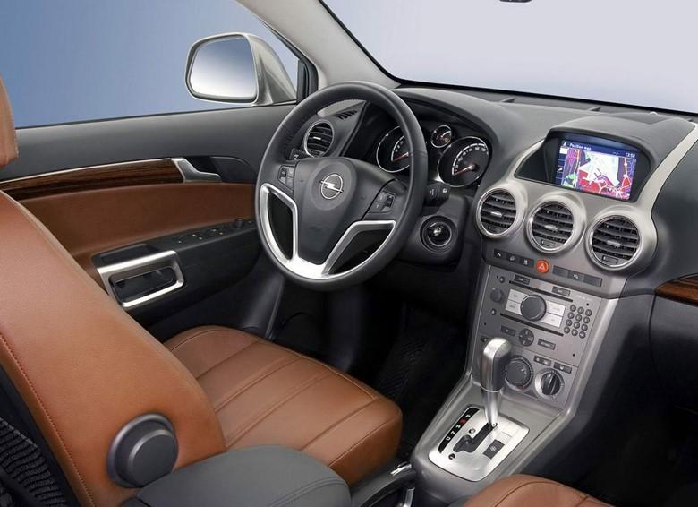 Салон Opel Antara