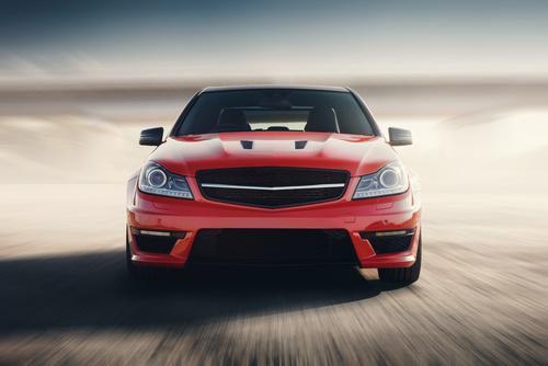 Malowanie samochodu na kolor czerwony