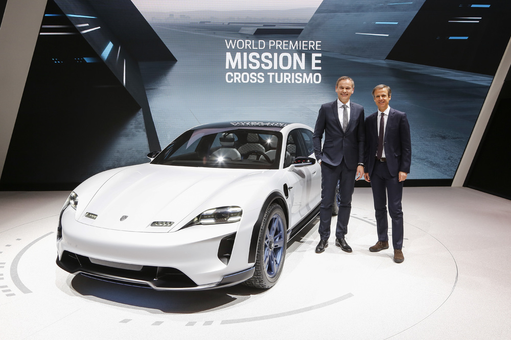 Geneva Motor Show 2018: Porsche Mission E Cross Turismo