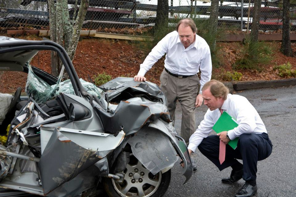 Why Hire An Auto Accident Lawyer Autocarinsurancecheap Com