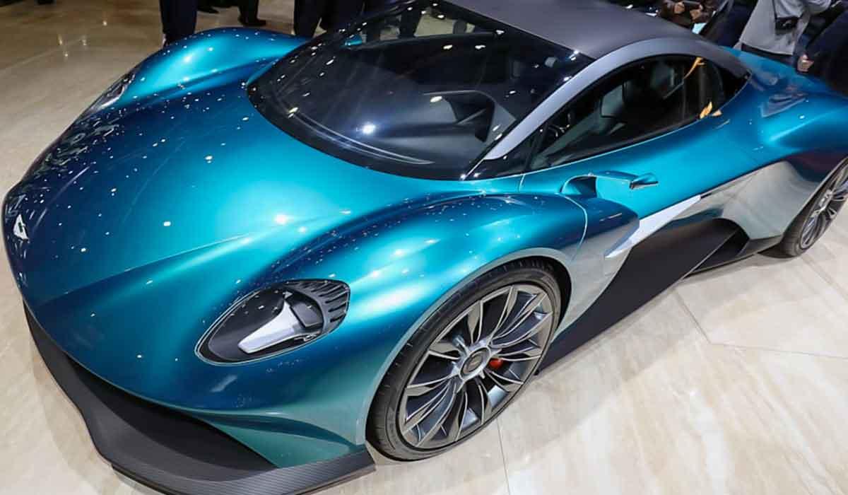 2023 Aston Martin Vanquish Review
