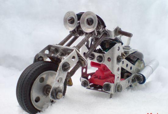 Scale souvenir motorbike models  1