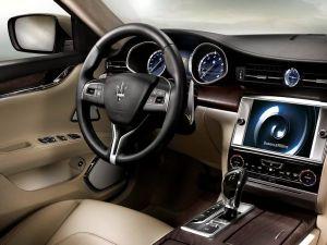 Quattroporte-dashboard-Bowers-Wilkins-Display