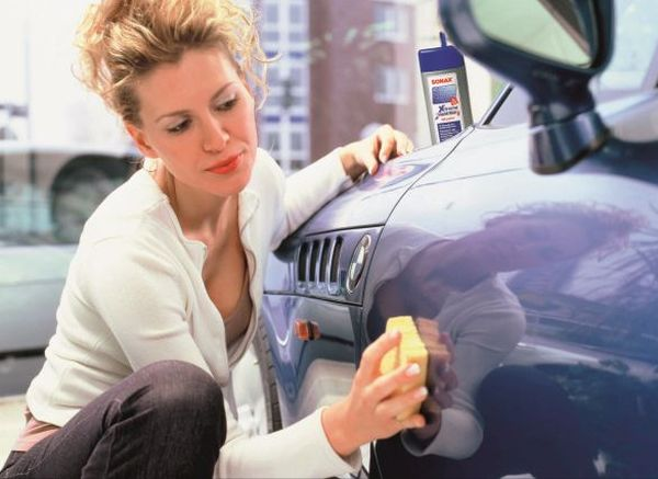 waxing your car (1)