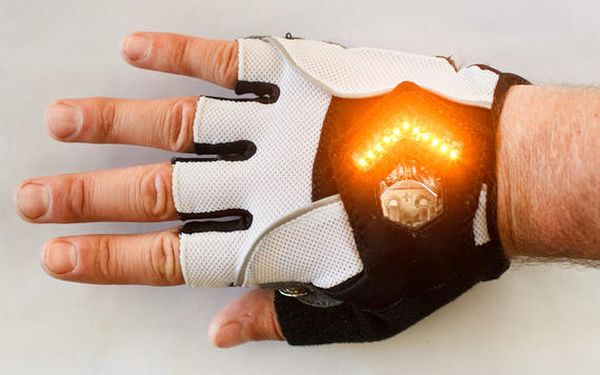 Zackees Turn Signaling Gloves