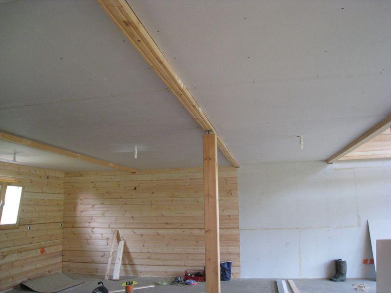 Placo du plafond de la piece principale for Poser du carrelage sur du placo