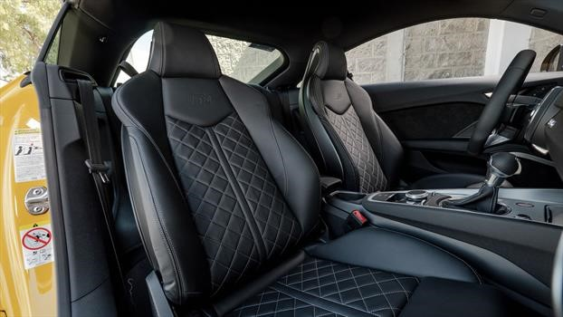 Audi TTS 2020 - asientos