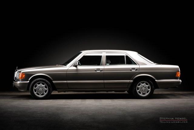 Mercedes-Benz 300 SE, Seitenansicht, im Studio des Hamburger Autofotografen Stephan Hensel