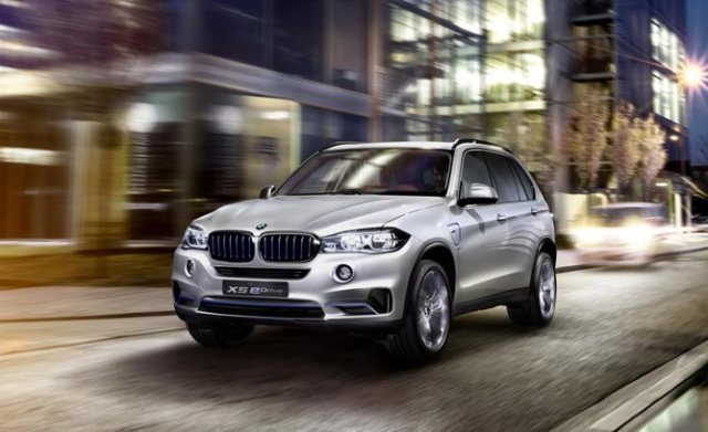 BMW_Concept_X5_eDrive_Main-668