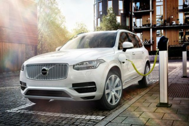 The_all_new_Volvo_XC90-668x445