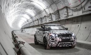 Кабриолет Range Rover Evoque испытали в подземелье Лондона
