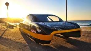 Авто на солнечных батареях Sunswift eVe допустят к уличному движению