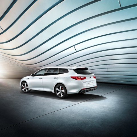 kia_optima_sw_gt_my17_3_4_rear_view_8594_45814