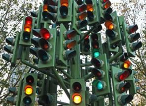 """Шел 2016 год - киевские светофоры решили настроить на """"зеленую волну"""""""