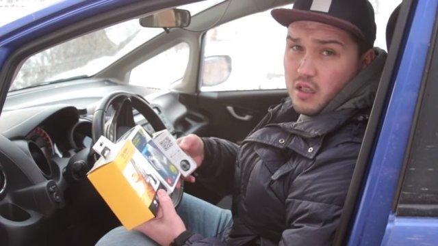 Обзор трех самых популярных автомобильных держателей для телефона