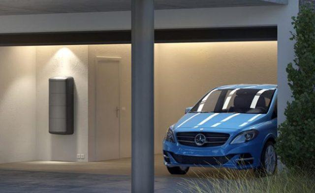 Mercedes начинает продажу аккумуляторов для домов в Великобритании