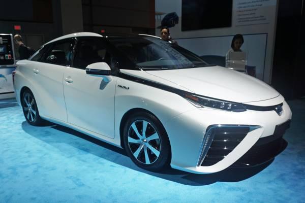 Honda начала продавать свой электромобиль Clarity Electric с запасом хода 143 км