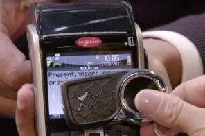 Ключи от автомобилей DS приспособили для не совсем стандартного использования
