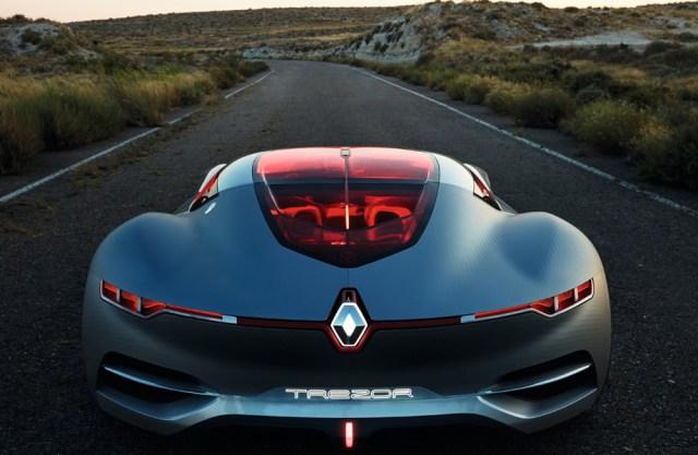 Наполеоновские планы Renault: 15 беспилотных моделей и 100% электромобилей до 2022 года