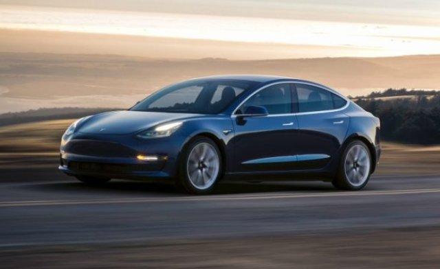 В Украину приедет легендарный электромобиль-рекордсмен Tesla Model 3