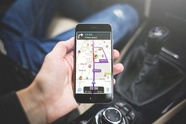 Waze передаст данные о скорости пользователя полиции. И другие мифы о приложении