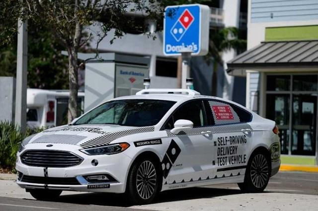 Беспилотники Ford начали доставлять пиццу и посылки