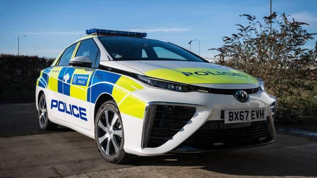 Полицию Лондона пересадят на водородные Toyota Mirai