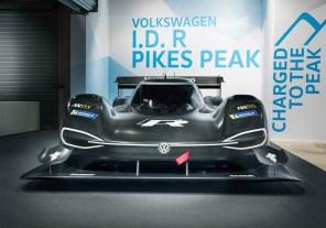 Круче Формулы-1 и Формулы-E: Volkswagen представили электромобиль для гонки на Пайкс Пик