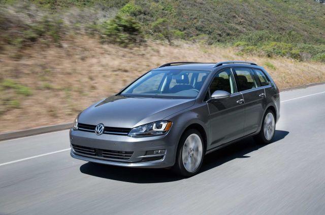 Скандал не угасает: дизельгейтовские VW Golf лишат регистрации - в компании ищут решение