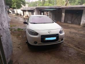 """Украинские умельцы """"прокачали"""" электромобиль Renault Fluence ZE до 300 км на одной зарядке"""