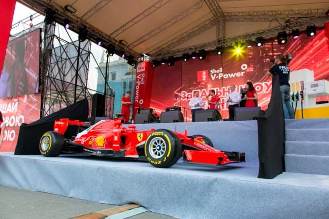 Дрифт, пит-стоп и рев Ferrari: ЗаПАЛЬНЕ ШОУ Shell – как это было