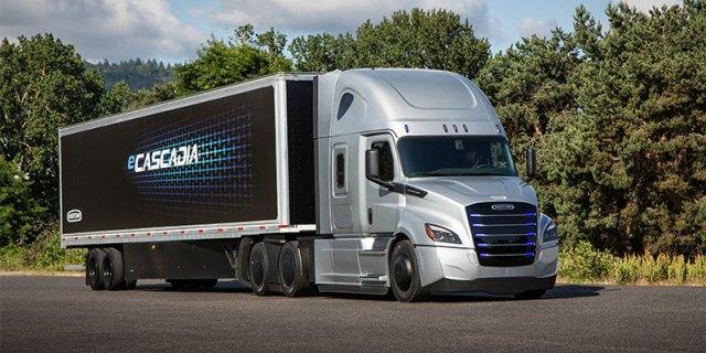Новый конкурент Tesla: Daimler представил два электрогрузовика с запасом хода 370 и 400 км