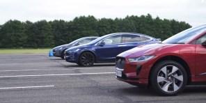 Видео дня: сравнительный тест на гоночном треке электрокроссоверов Jaguar I-Pace и двух версий Tesla Model X