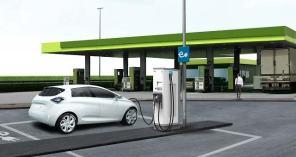 Омелян анонсировал запуск сети скоростных электрозаправок по Украине совместно с госкомпанией
