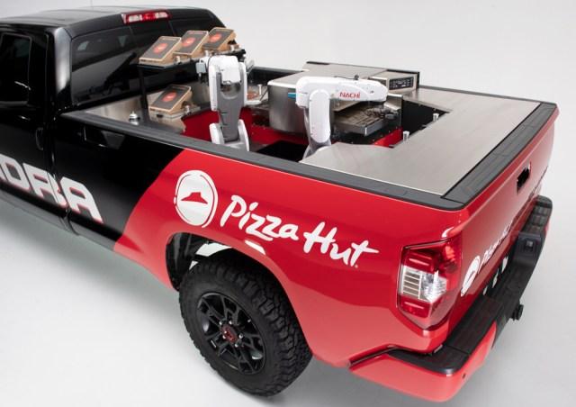 Пиццерия на колесах: в Toyota нашли необычное применение водородной Tundra Pie Pro