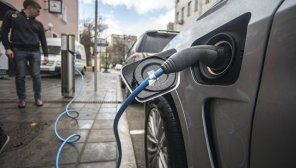 В Европе с начала года продали почти 300 тысяч электромобилей