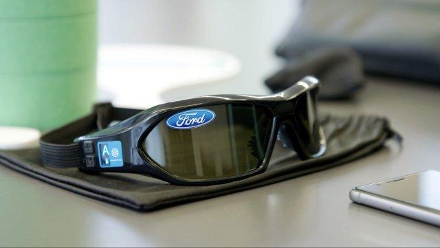 Ford разработал «сонный костюм», имитирующий состояние усталости водителя