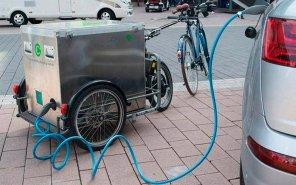 Прокатный сервис Sixt будет заряжать свои электромобили при помощи велосипедов: как это работает