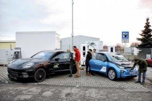 100 км за 3 минуты: BMW и Porsche протестировали супермощную электрозаправку
