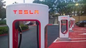 """Tesla """"скорректировала"""" прайс: цены на Supercharger выросли по всему миру"""